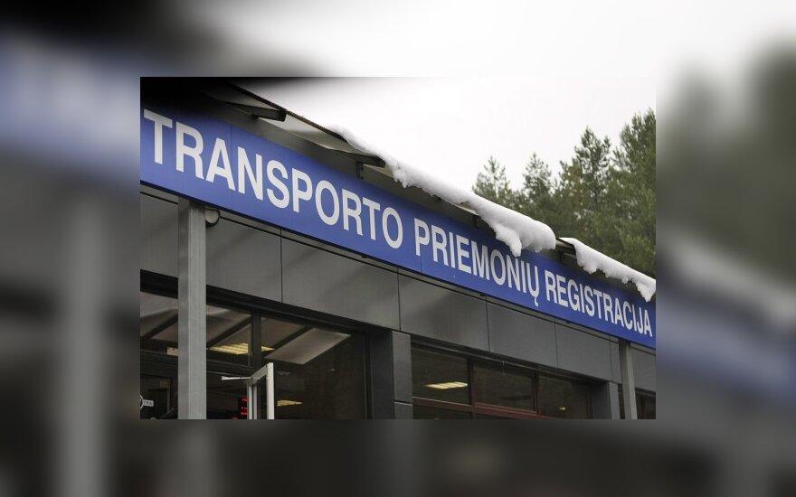 """Vasarį """"Regitra"""" atsisakė įregistruoti 30 transporto priemonių"""