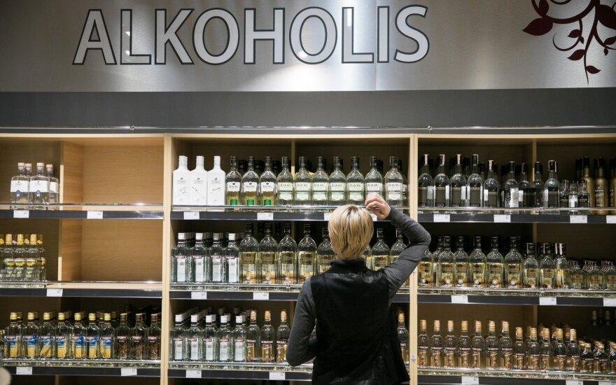 Pažadas duotas: už alkoholio reklamos pažeidimus baudos bus vėliau