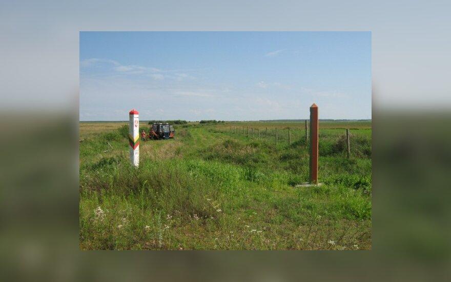 Baltarusiai traktorininkai netyčia pašienavo ir Lietuvoje