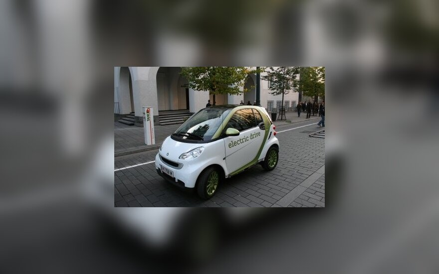 "Vilniaus gatvėse – elektrinis ""Smart"""