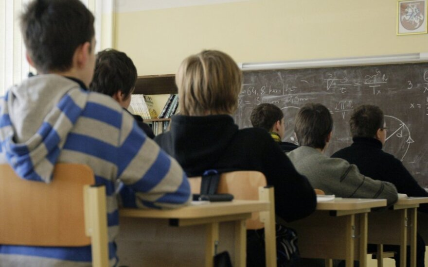 Mokytojai nuvarginti naujovių – jų akys gęsta