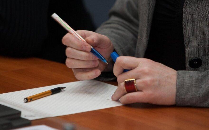 D. Pavalkis grasina tikrinti pačių pedagogų lietuvių kalbos žinias