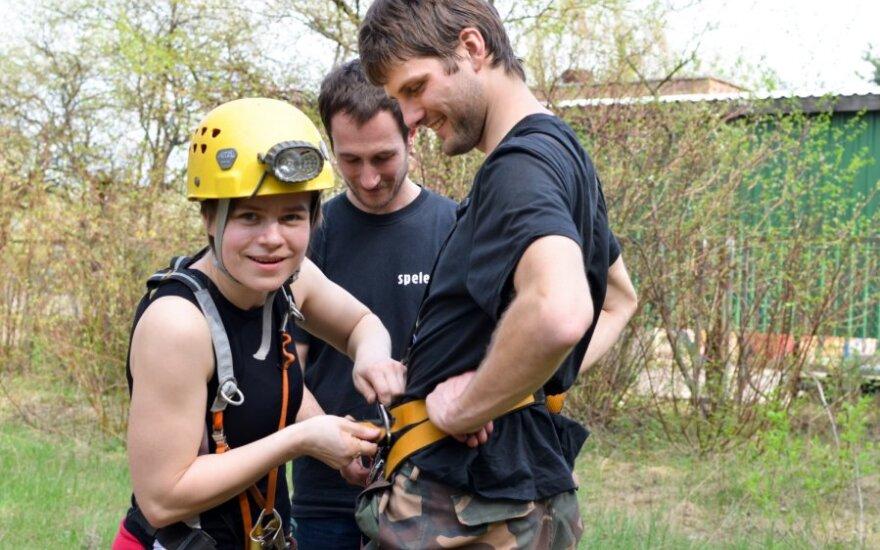 Svarbiausia dirbant ekstremaliomis sąlygomis - pagalba komandos draugams
