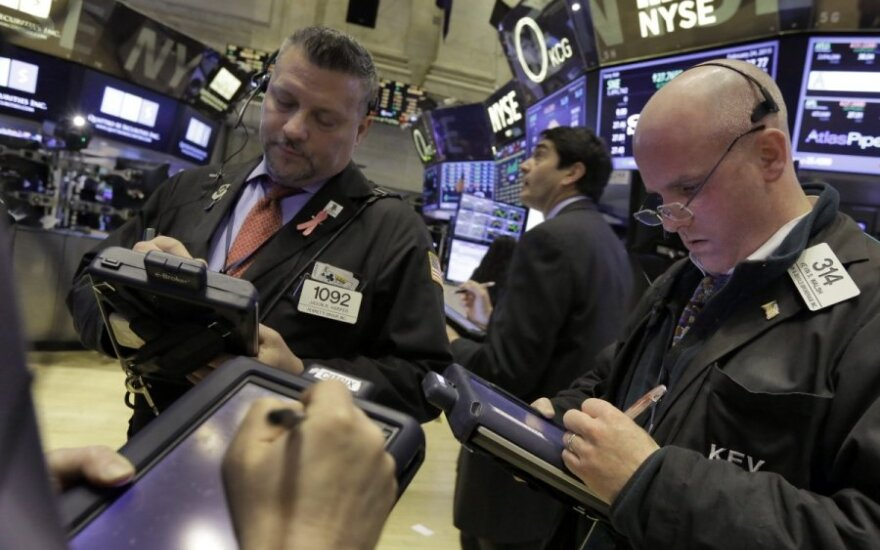"""JAV biržos: """"Dow Jones"""" nežymiai mažėja, S&P 500 ir """"Nasdaq"""" – auga"""