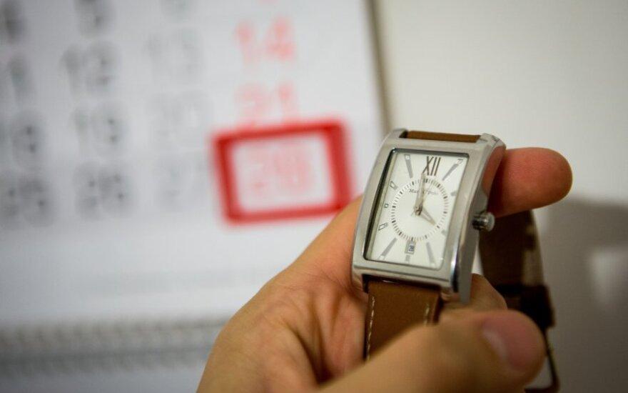 Правительство Литвы предлагает Брюсселю отказаться от перевода часов