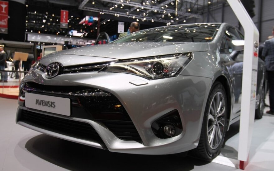 """""""Toyota"""" padidino pelną"""