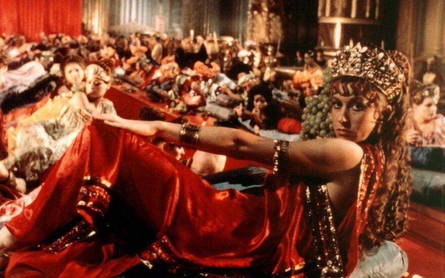 """Helen Mirren, kadras iš filmo """"Kaligula"""""""