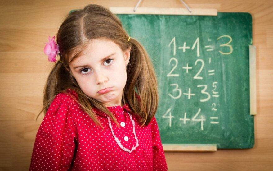 Suaugusiųjų klaida, mažinanti mergaičių matematinius sugebėjimus