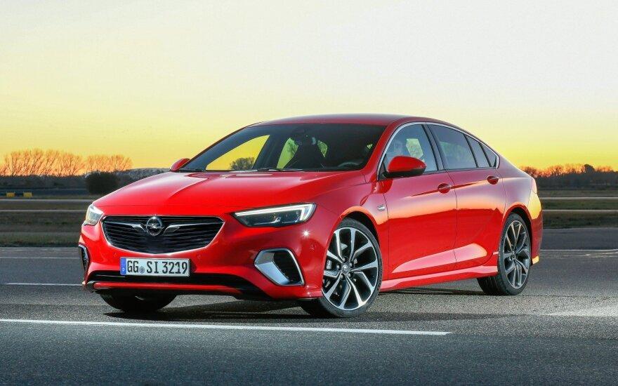 """Opel Insignia GSi"""