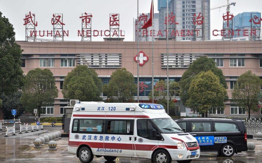 Apie 600 europiečių nori palikti Kiniją dėl ten plintančio koronaviruso