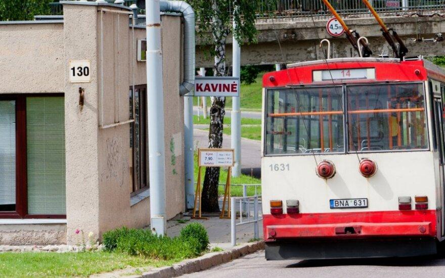 Vilniaus troleibusų parkuose – alkoholis visą parą