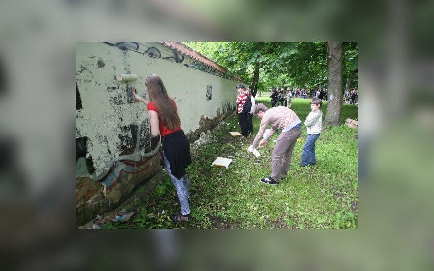 Vilniaus vadovai atsisako karo su graferiais, bet premijuoja jų gaudytojus