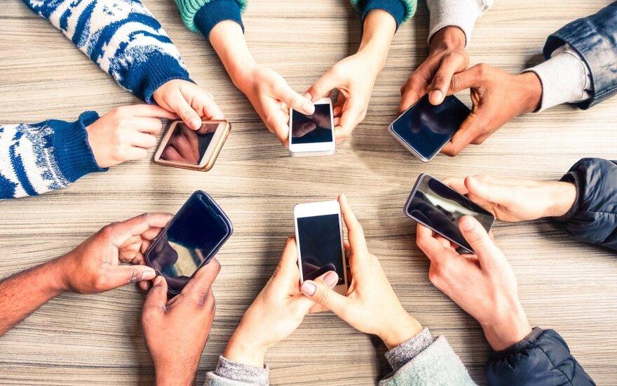 Geriausių telefonų dešimtukas: lyderis nustebins