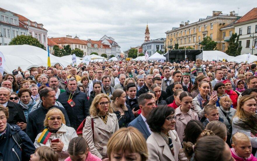 """Politinis susvetimėjimas Lietuvoje: būtina neutralizuoti visas """"bombas"""""""