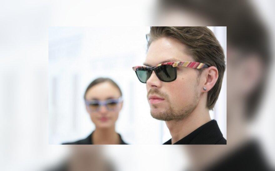 2010 m. pavasario saulės akinių kolekcijų pristatymas