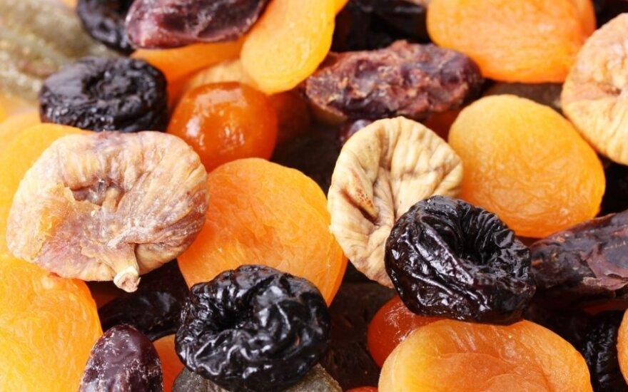 Dietinių produktų reklamose džiovinti vaisiai yra ryškių spalvų ir blizgūs. O kaip jie tokie pagaminami ?