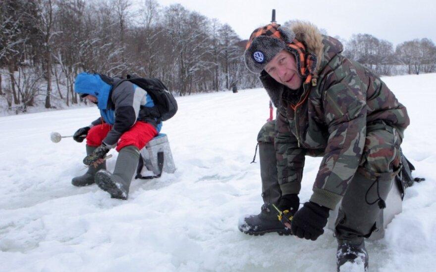 Žvejai ant ledo