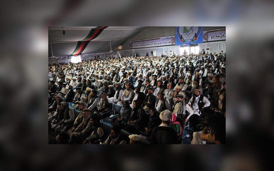 Taikos sueiga Afganistane prasidėjo sprogimais ir šaudymais