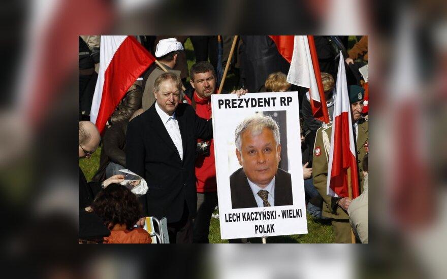 Žuvusio Lenkijos vadovo gerbėjai norėtų paminklo L.Kaczynskiui