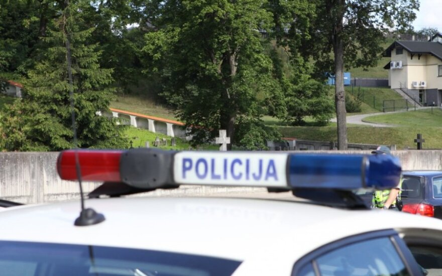 Šiauliai police officers on trial for corruption, drug dealing