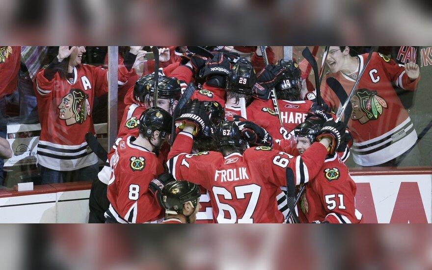 """""""Blackhawks"""" ledo ritulininkai triumfuoja"""