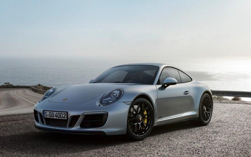 """Sunkvežimyje buvo vežami šį """"Porsche 911"""" modelį pakeisiantys prototipai"""
