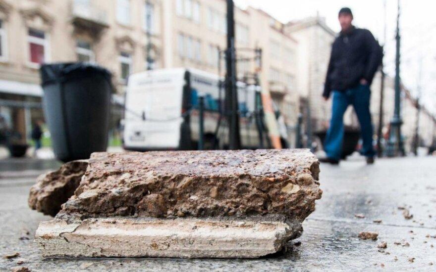 Vilniaus Gedimino prospekte lijo betono luitais