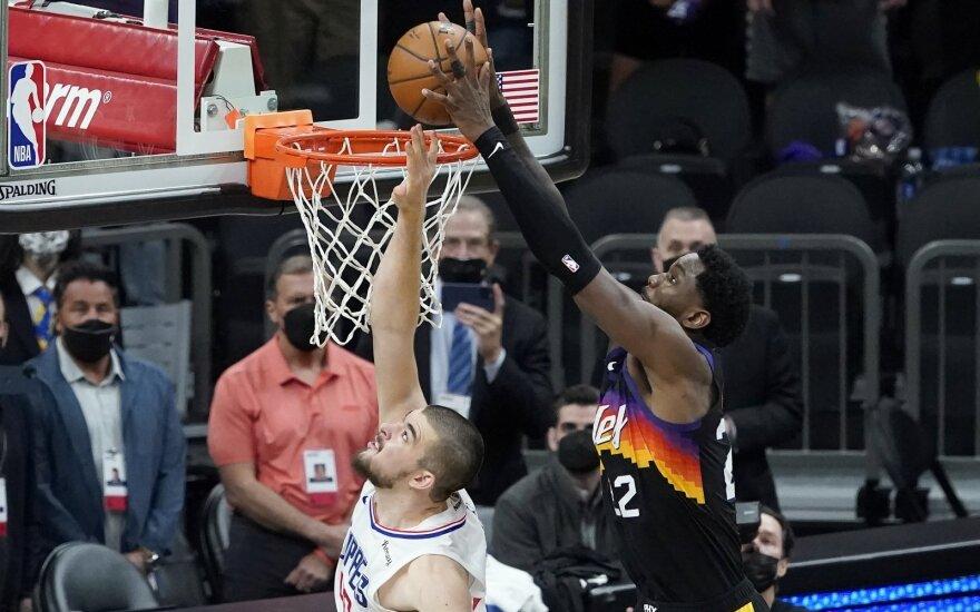 """Antroji """"Suns"""" - """"Clippers"""" dvikova"""