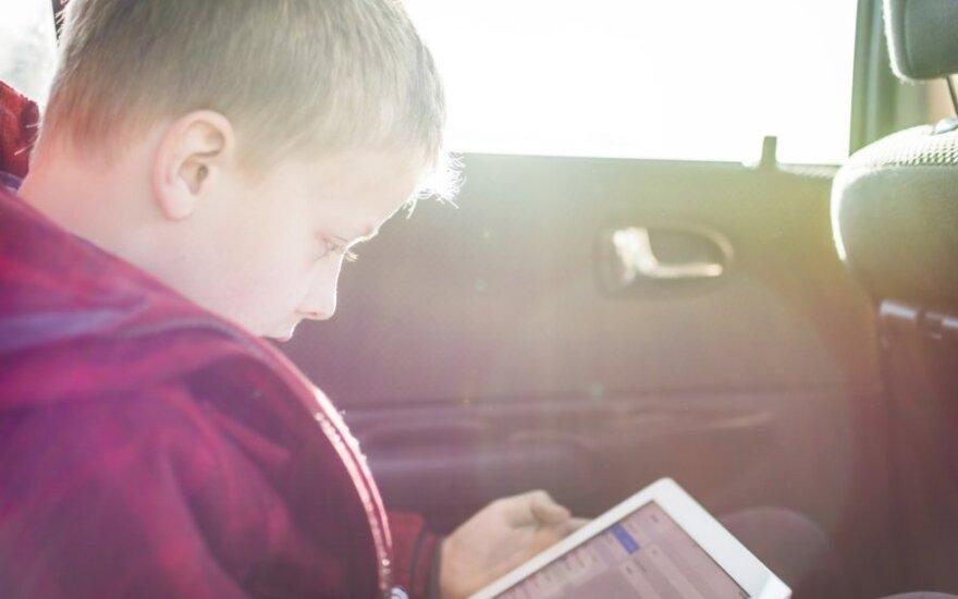 Patyčios tarp vaikų keliasi į socialinius tinklus