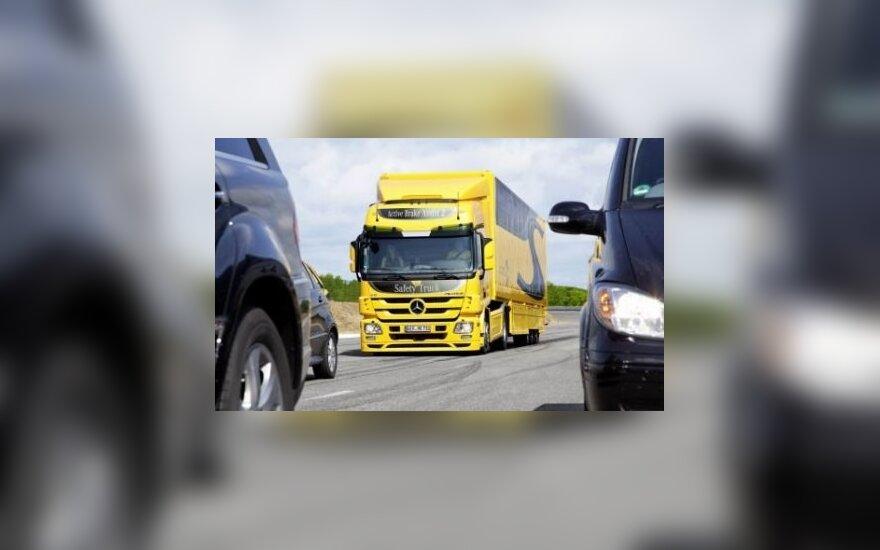 """Mercedes-Benz"" pristatė ""Active Brake Assist 2"" sistemą"