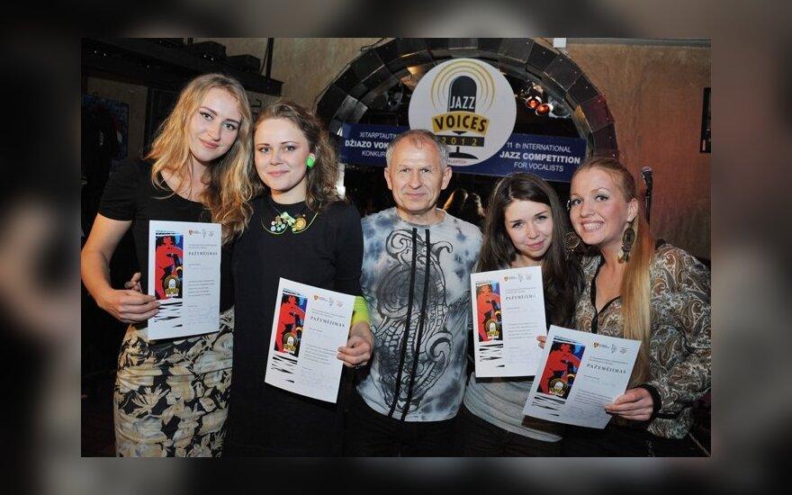 """""""Jazz Voices"""" nacionalinės atrankos nugalėtojos ir Steponas Januška"""