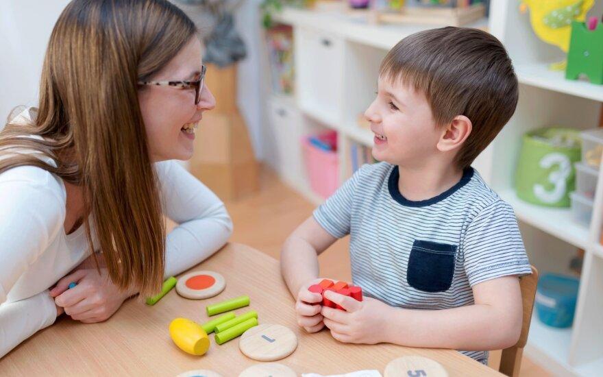 Šalies logopedai teigia, jog karantinai pakenks vaikų, ypač mažųjų, kalbos raidai