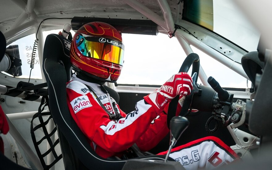 """G. Grinbergas """"Eneos 1006 km"""" lenktynėse dalyvaus """"Lexus"""" automobiliu"""