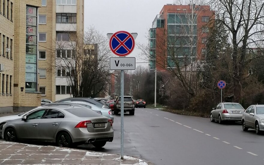 Kuriozas Kaune – atsiradus naujam ženklui vieną naktį per savaitę automobiliai turės tiesiog išnykti