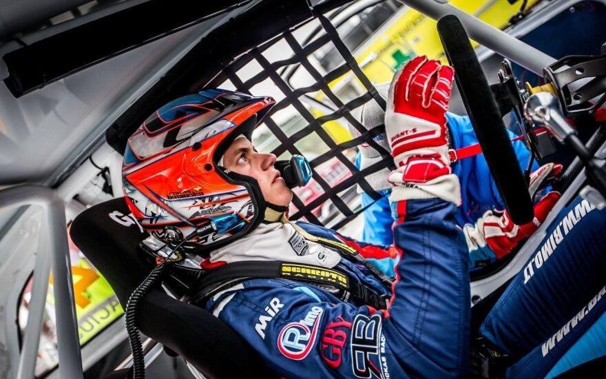 Rokas Baciuška Europos ralikroso čempionate lipo ant podiumo