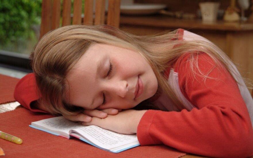 Pavasario nuovargis neaplenkia ir vaikų: kaip atpažinti ir padėti