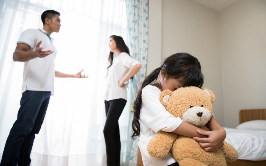 Tėvams - nemokama auklėjimo įgūdžius lavinanti programa