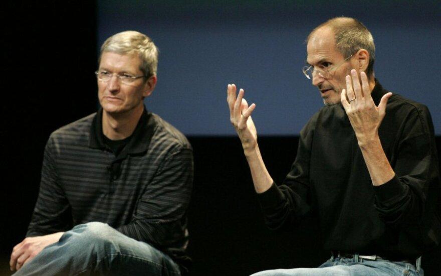 Timas Cookas ir Steve'as Jobsas