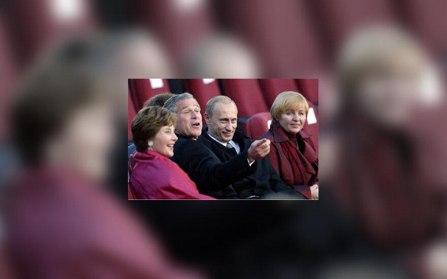 G. W.  Bush ir V. Putin su žmonomis