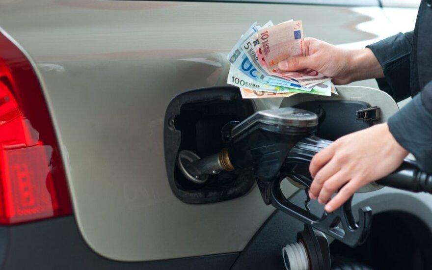 Dėl ES sankcijų Iranui litras benzino Lietuvoje greitai kainuos 5 Lt?
