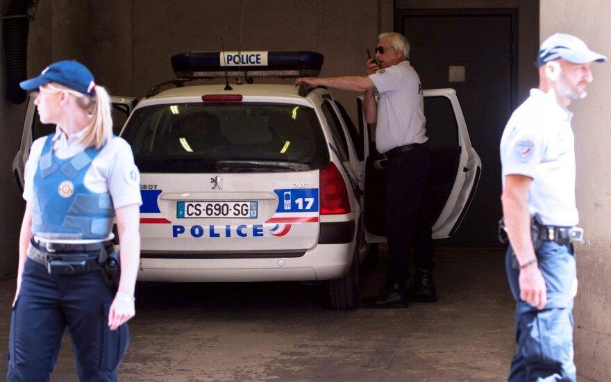 Prancūzijoje kalėti nuteisti trys rusų sirgaliai, dar 20 bus išvaryta iš šalies