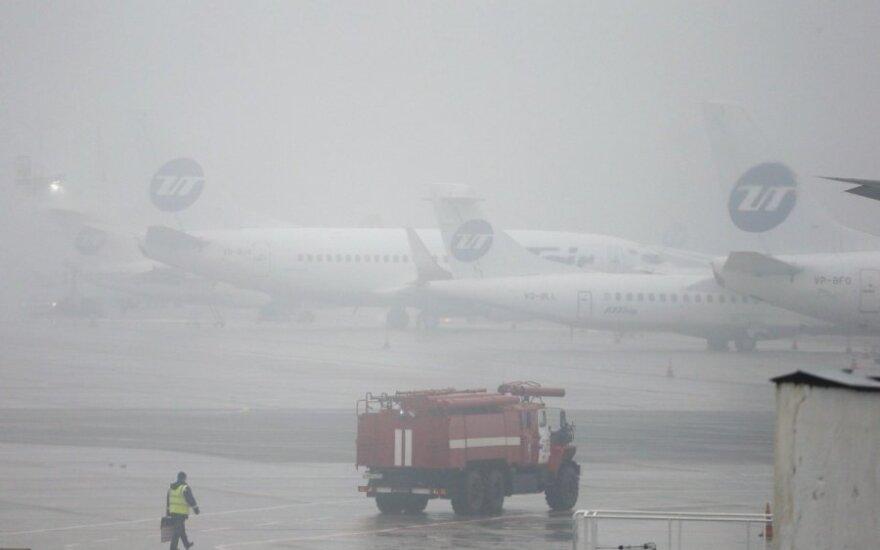 """""""Red Bull"""" ir """"Lotus"""" pagerbė lėktuvo katastrofoje žuvusį """"Total"""" vadovą"""
