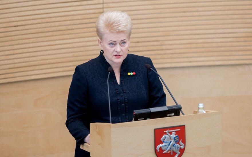Grybauskaitės smūgis socialdarbiečiams: vetavo pataisas dėl dotacijų