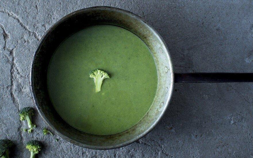 Trinta brokolių ir špinatų sriuba