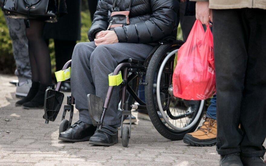 Veryga pažadėjo imtis darbų neįgaliųjų gyvenimo sąlygoms Lietuvoje gerinti