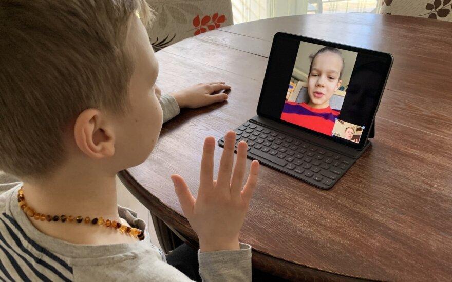 Mokantis nuotoliniu būdu labai svarbu patogūs įrankiai vaizdo pamokų kūrimui ir vaizdo transliacijoms