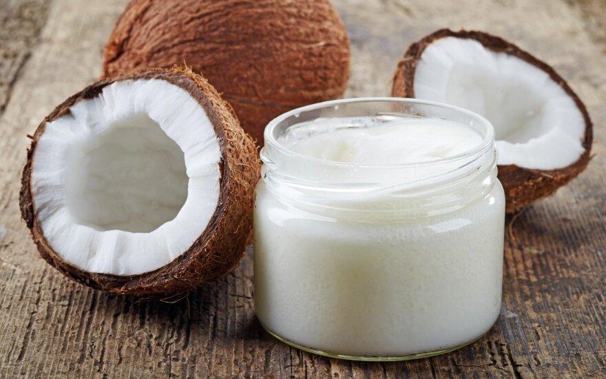 Kokosų aliejaus stebuklas: gali atstoti 8 grožio produktus