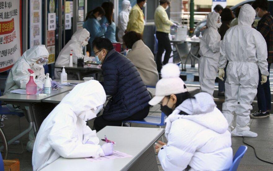 Baltųjų rūmų ekonomistas: Kinijos koronavirusas pakenks JAV ekonomikai