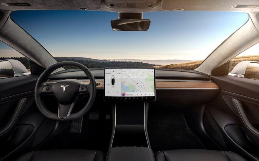 """Tesla"" statys gamyklą Šanchajuje"