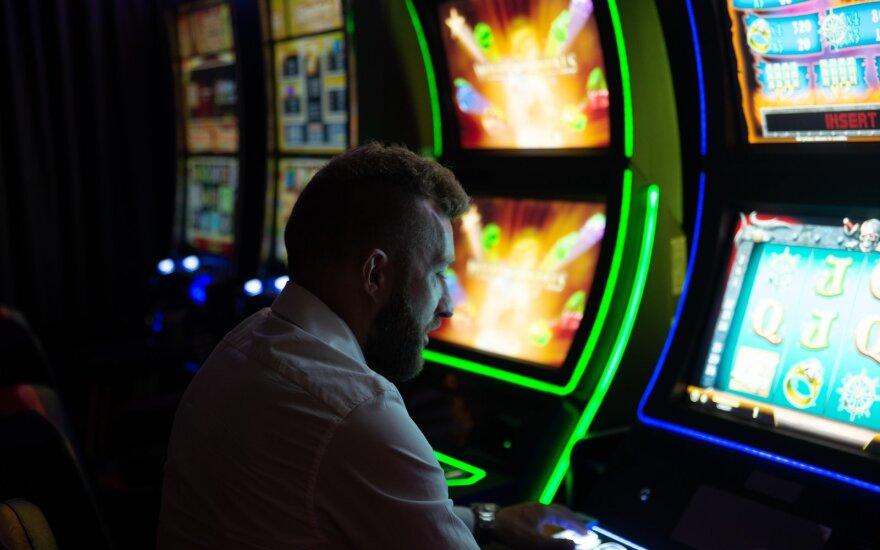Nustatyta, kokiomis sąlygomis galės pradėti veikti kazino ir lošimo automatų salonai